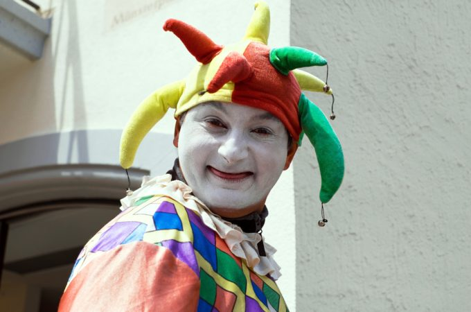 https://pixabay.com/photos/fool-court-jester-clown-funny-1476189/