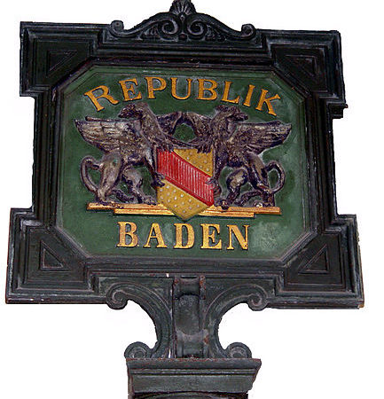 https://de.wikipedia.org/wiki/Datei:Tafel_Baden.jpg