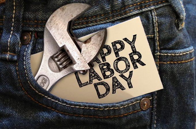 https://pixabay.com/fr/illustrations/jeans-cl%C3%A9-la-journ%C3%A9e-de-travail-1-1580144/